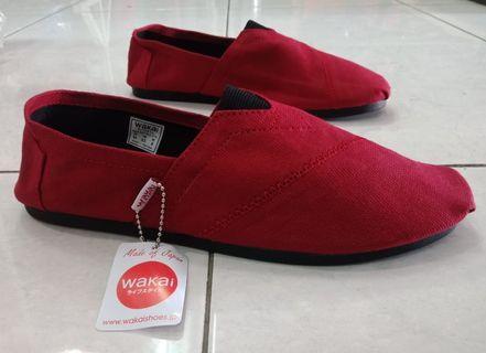 Sepatu Wakai Merah