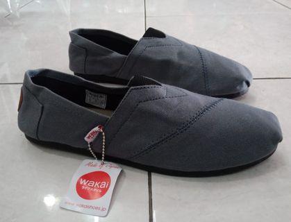 Sepatu Wakai Grey