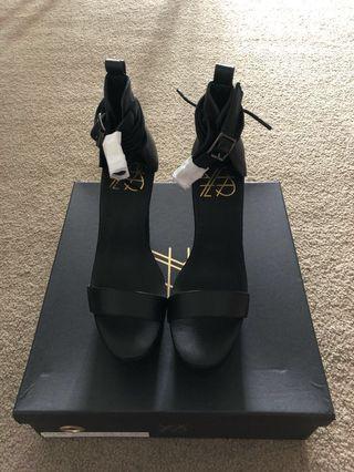YES Kult heels