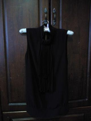 Neck pleated blouse