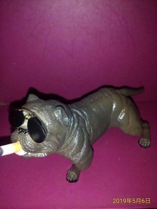 🚚 抽菸鬥牛犬擺飾品