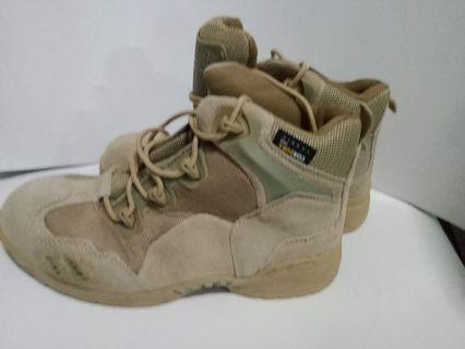 Sepatu gurun ori