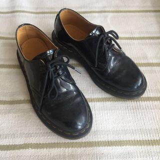 Women's Dr martens 1461 shoe patent UK3