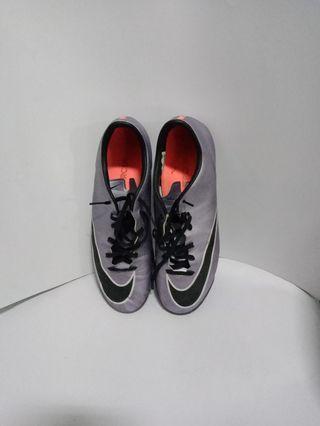 Sepatu Nike futsal ori