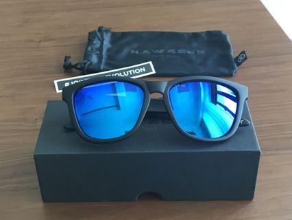 HAWKERS Carbon Black - Sky One Sunglasses