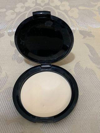 Bobbie brown pressed powder color 1 pale yellow, Bobbie brown 碎粉碎粉餅 color1  pale yellow