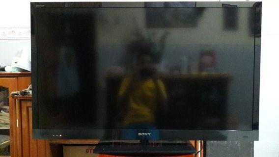 SONY LCD TV 46 INCH