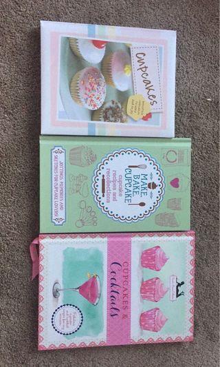 Cupcake baking books and piping kit
