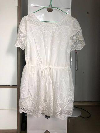 白色直身裙