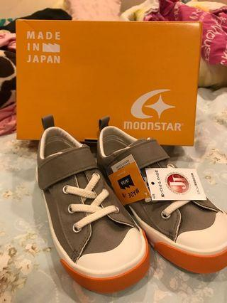 Moonstar童鞋