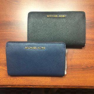 🚚 Authentic Michael Kors Wallet (Navy)