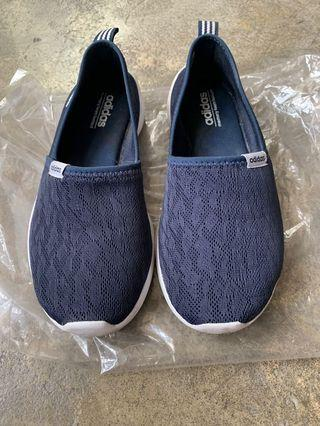 Adidas 藍色網織休閒慢走鞋