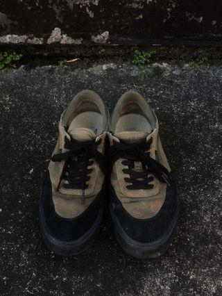 🚚 Vans美式麂皮拼接鞋款