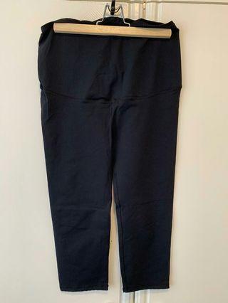 🚚 Maternity pants and leggings