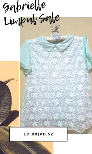 TOSCA FLORAL WHITE BLOUSE
