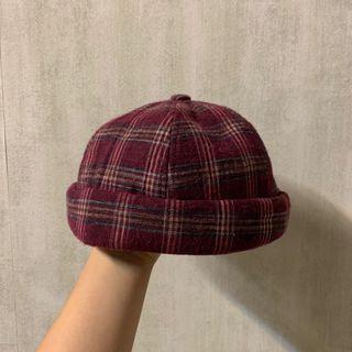 紅格子圓頂帽