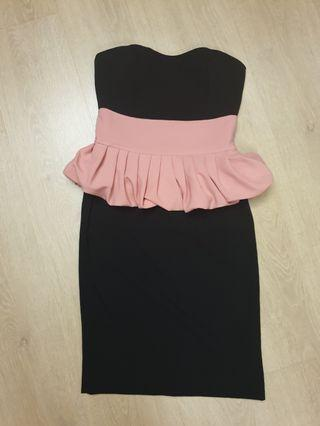 🚚 Dark Navy Tube dress with pink pleated details