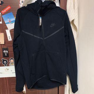 Nike techpack 外套