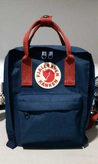 🚚 Mini Fjallraven Kanken (Navy blue + Red Straps)