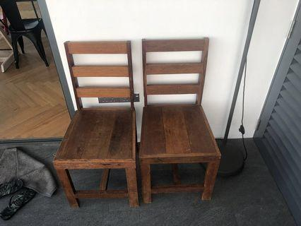 🚚 Antique solid wood dining chairs