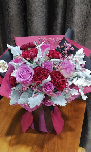 <<SALE!! >> Mother's Day Hand Bouquet