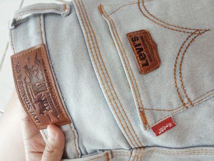 Celana jeans levi's woman