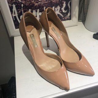 Tony Bianco Lovett Nude Patent point heel - size 8.5