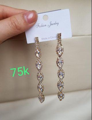 Anting kekinian earrings