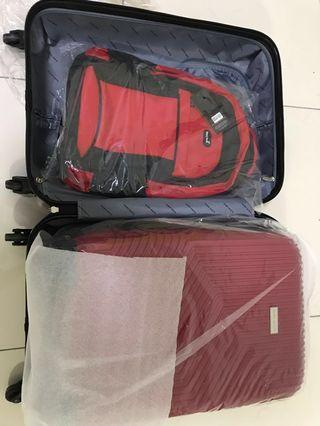 "24"" 20"" and backpack 3 in 1 Barry Smith Luggage (Brand new in box)"