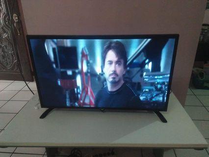 TV  Flatscreen Sharp