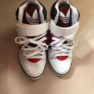 adidas內增高休閒鞋正品