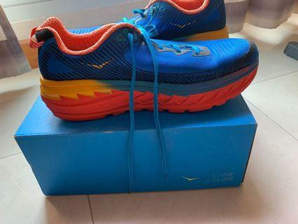 🚚 HOKA One One Running Shoes US 12