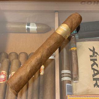 Por Larranaga Petit Coronas Cigar  婆乸 古巴 雪茄