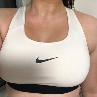 Nike Sports Bra size L