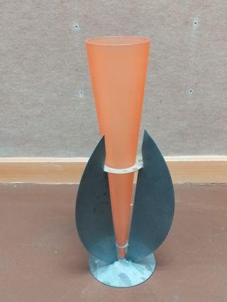 玻璃裝飾,可放花或雨傘