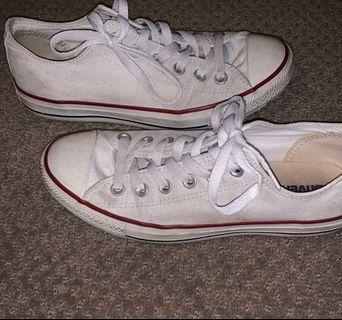 CONVERSE - WHITE LOW TOPS