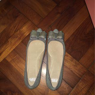 KATE JUDITH gray shiny bow flats [上班OL 推薦]worn once to work only (size 38)