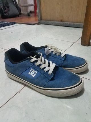 Sepatu DC blue original no box