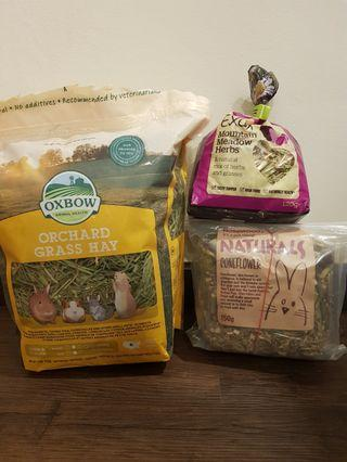 Oxbox Orchard Grass Hay, Burgess Mountain Meadow Herbs and Rosewood Naturals Coneflower