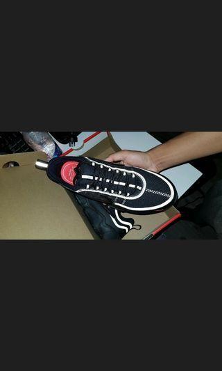 Nike Air spiridon crimson red