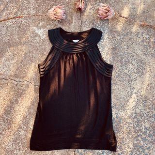 Calvin Klein mainline black top, immaculate SZ small (8/10)