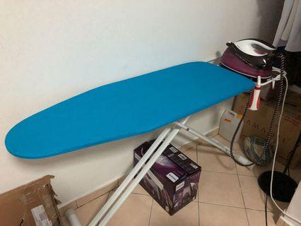 Steam iron philips and iron board