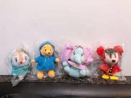 🚚 迪士尼 Disney  雨衣小吊飾 米奇 小飛象 維尼 奇奇蒂蒂