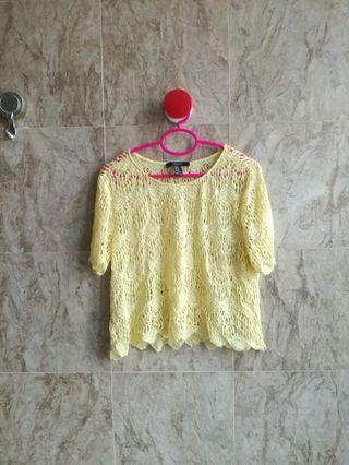 Forever 21 Lace Crop Top 💛
