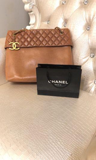 Chanel 經典駝色全真皮鍊條包
