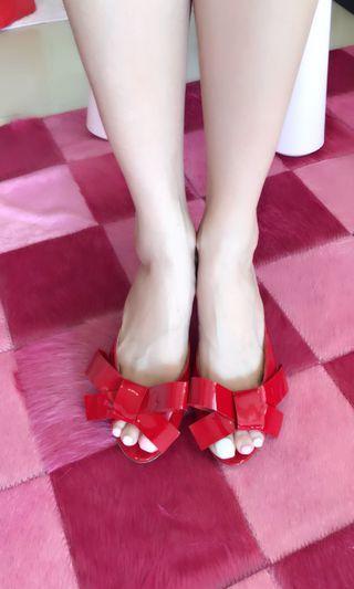 「A11專櫃購入」Miu Miu紅色漆皮蝴蝶涼鞋