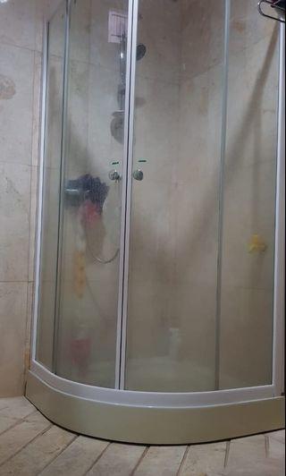 Tempat shower