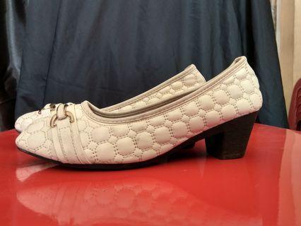 Sepatu Second