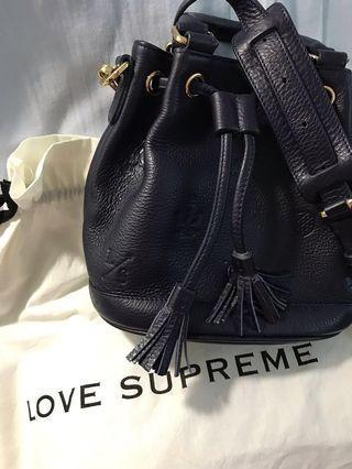 Love Supreme 真皮深藍色水桶袋(泰國自家品牌)