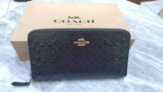 Coach accordion zip wallet in signature debossed patent leather 54805